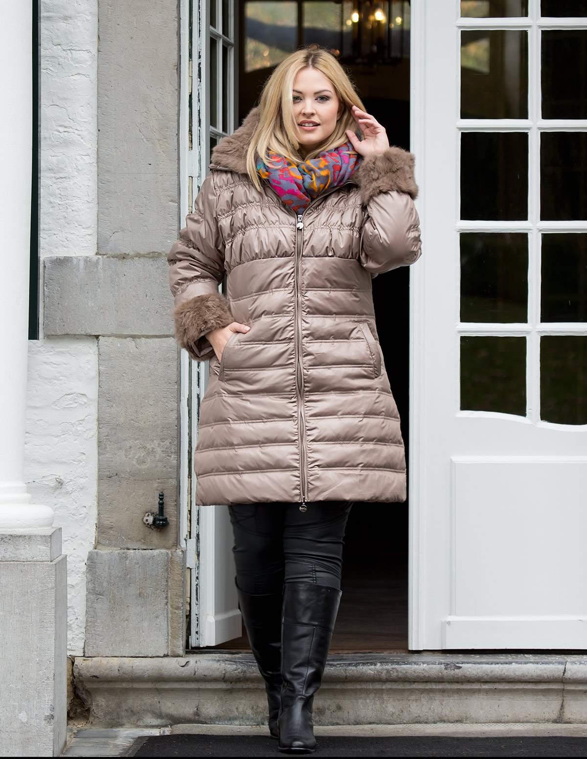 navabi_coats-dny-down-coat-with-fur-trim-beige_A17435_F0100