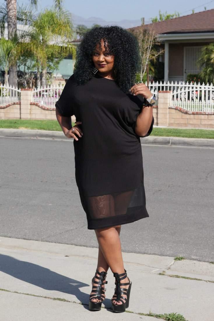 Chilling in my BooHoo Plus Size Midi T-Shirt Dress The Curvy Fashionista
