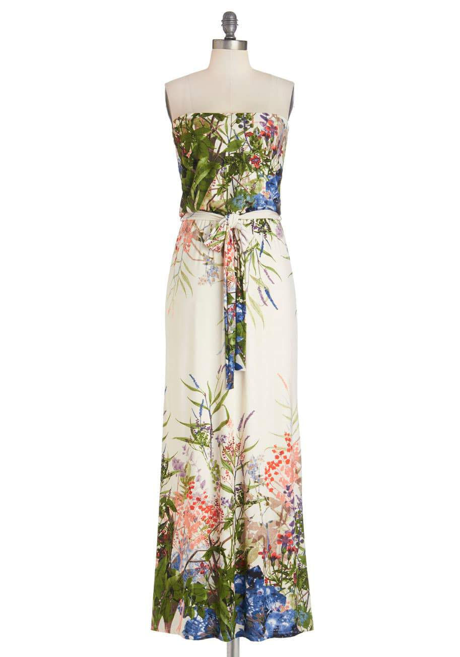 ModCloth Plus Size Queen of the Wild Flowers Dress on The Curvy Fashionista