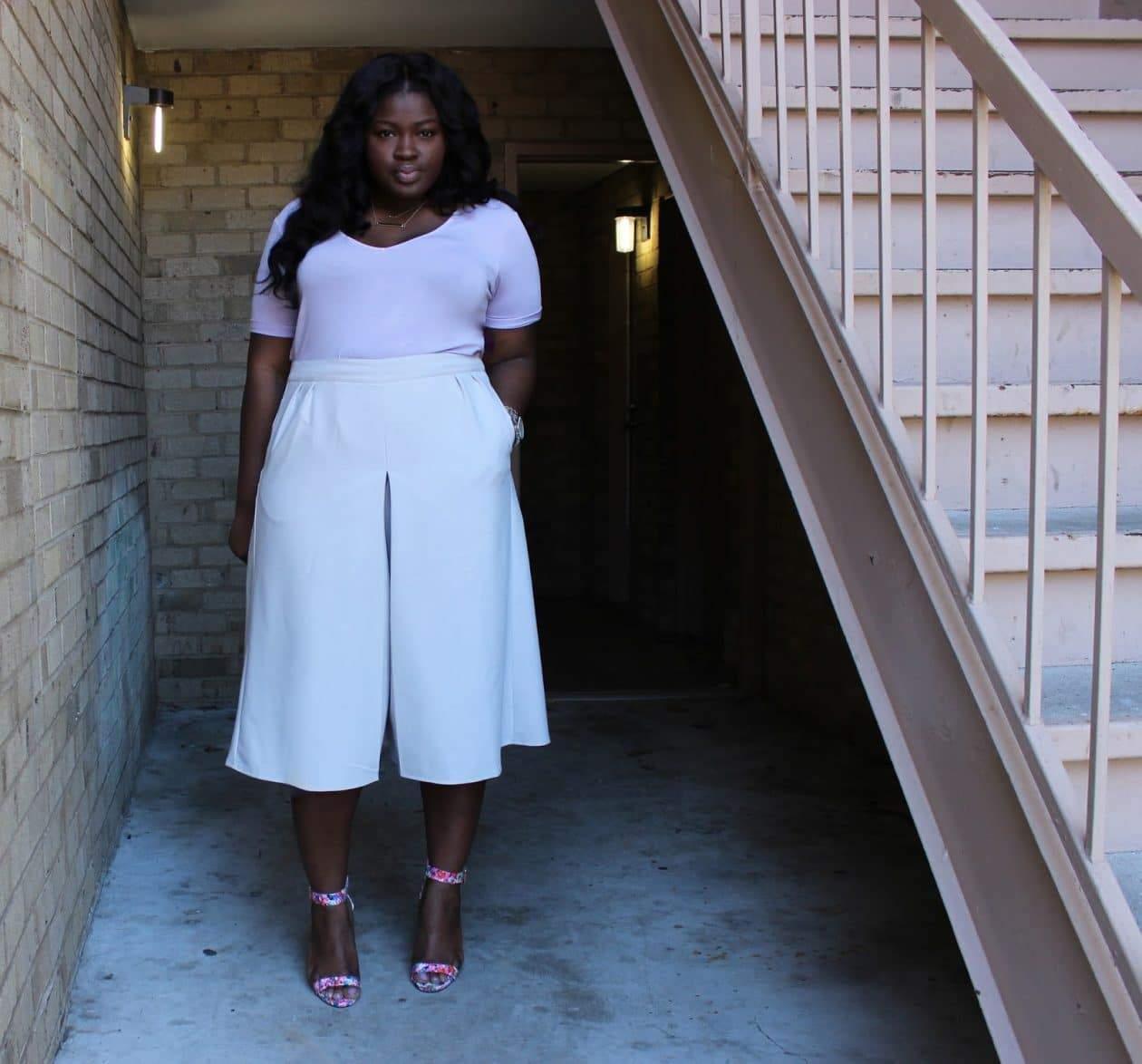 plus size blogger Supple Chic in Midi Culottes