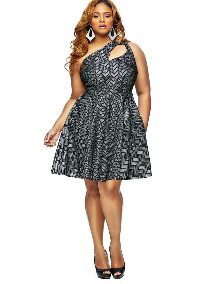 Monif C Plus Sizes Spring 2014 Stella Dress in Black on The Curvy Fashionista