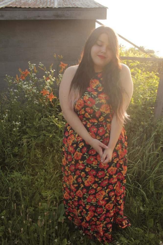 Plus size fashion blogger- Jess Clothes and Shit