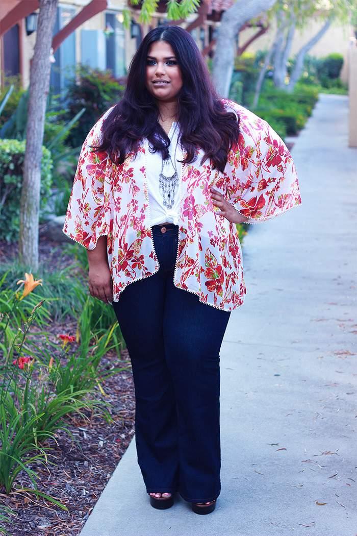 15 Non-Hourglass Plus Size Fashion Bloggers- Runa Azam