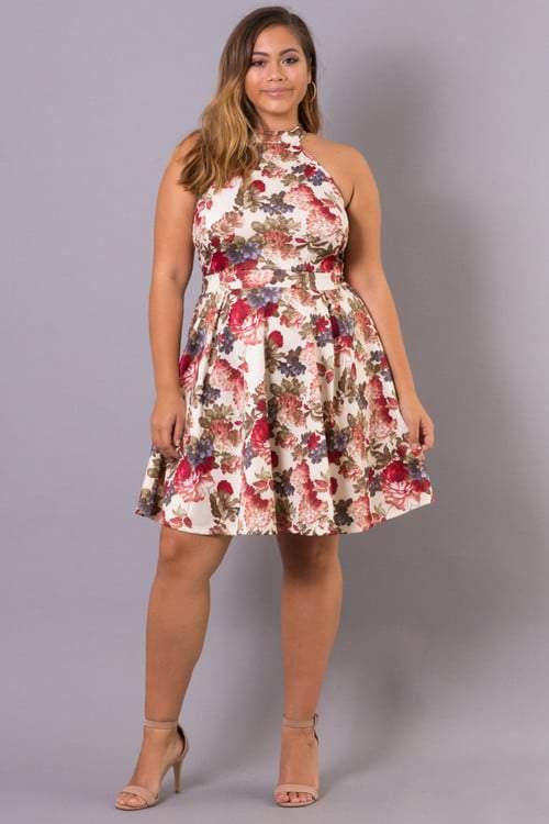 Curvy Sense: Plus Size Floral Love Dress