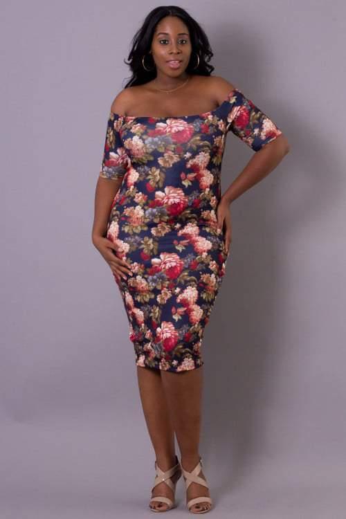 Curvy Sense: Plus Size Floral Bodycon Dress