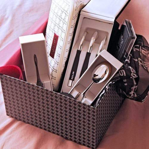 Artis+Holiday+Essentials