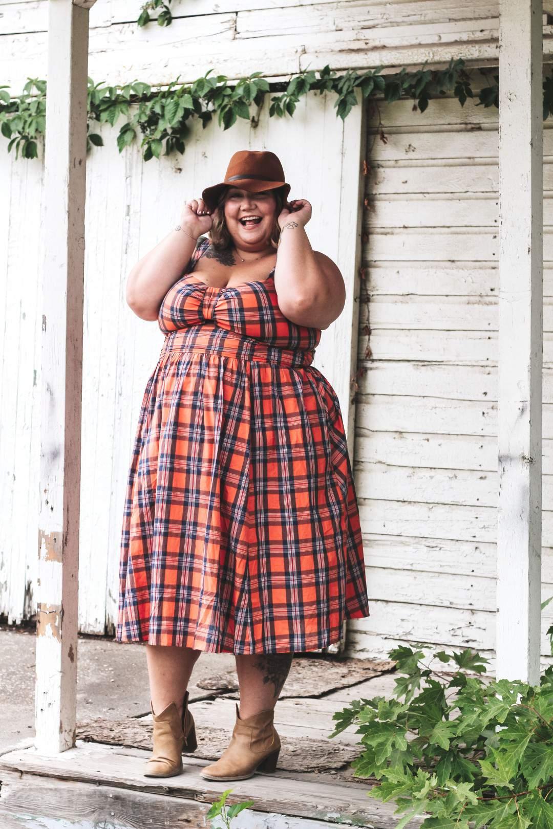 Plus size blogger spotlight on Fat Girl Flow