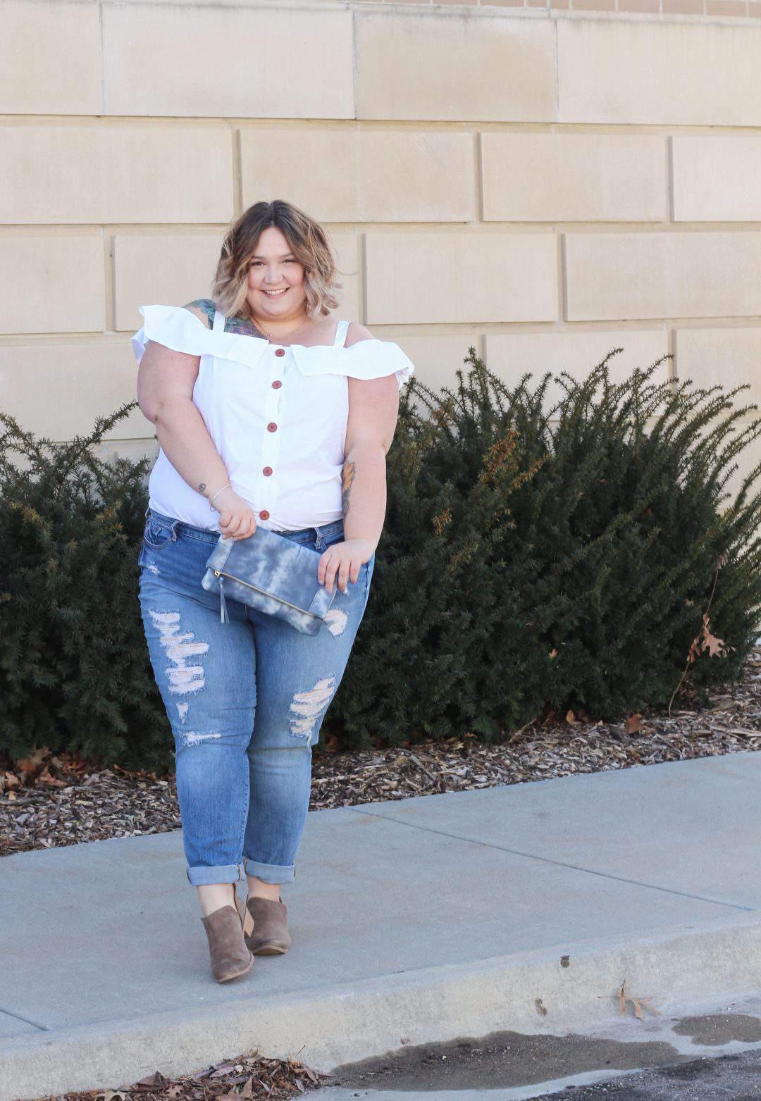 Corissa of Fat Girl Flow, plus size blogger