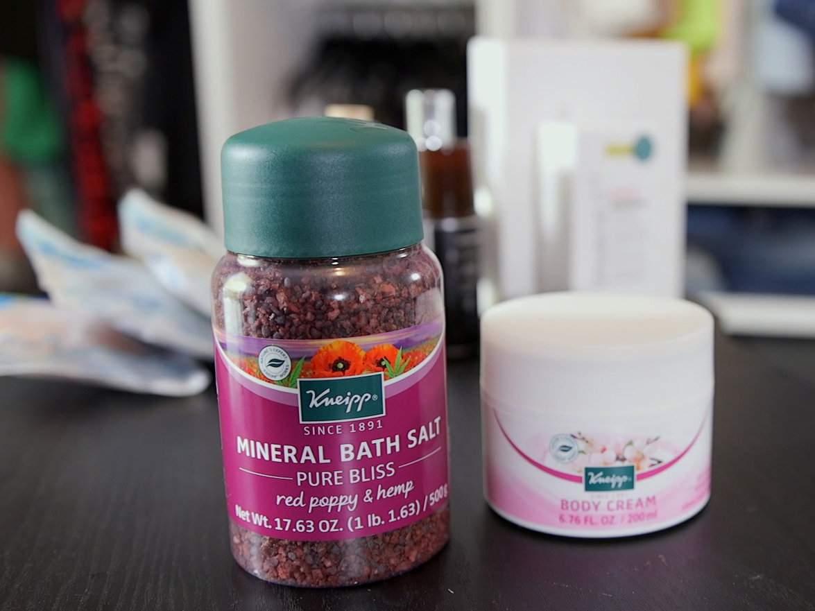 Red Poppy & Hemp Pure Bliss Bath Salt