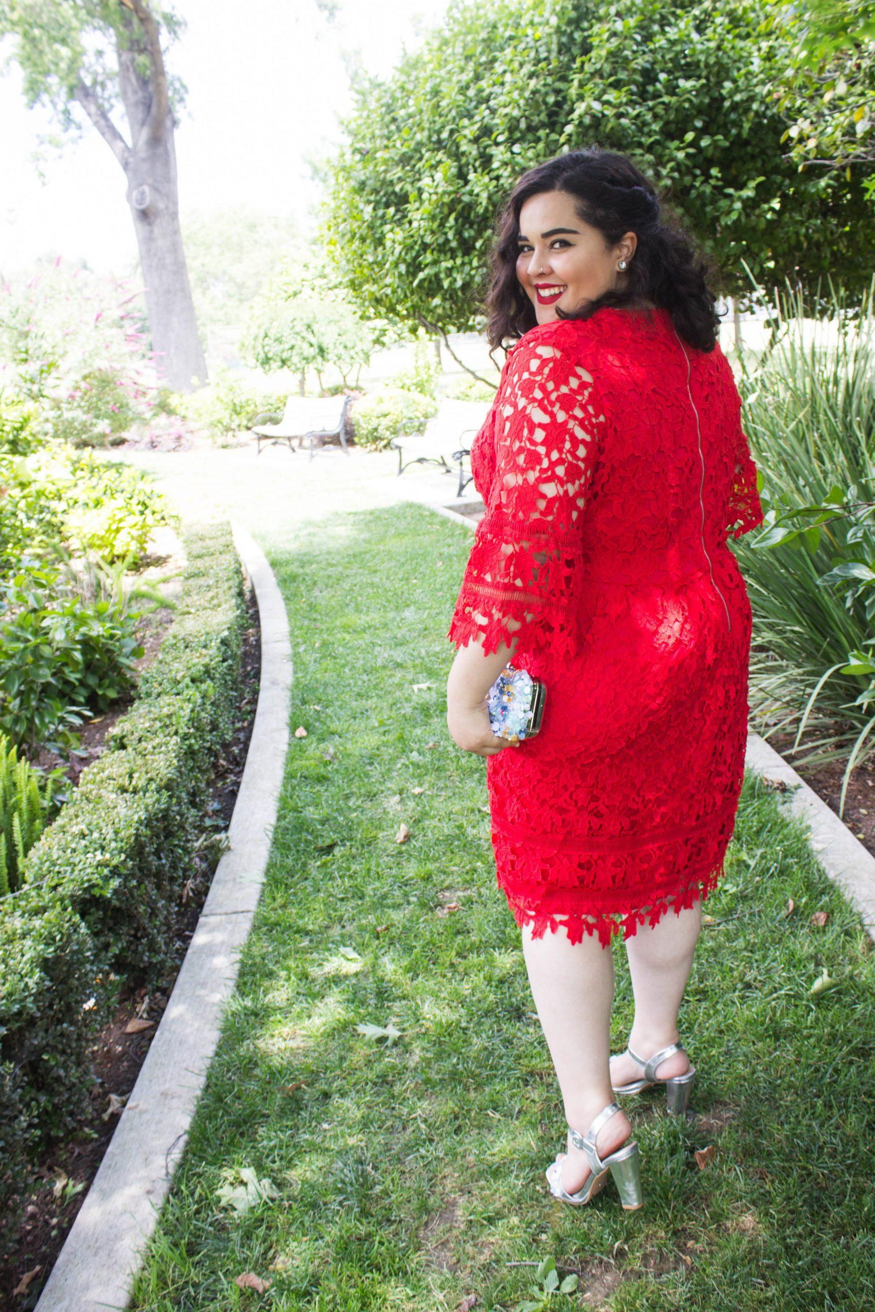 Plus Size Fashion Blogger- Mona of The Smiling Sweetheart