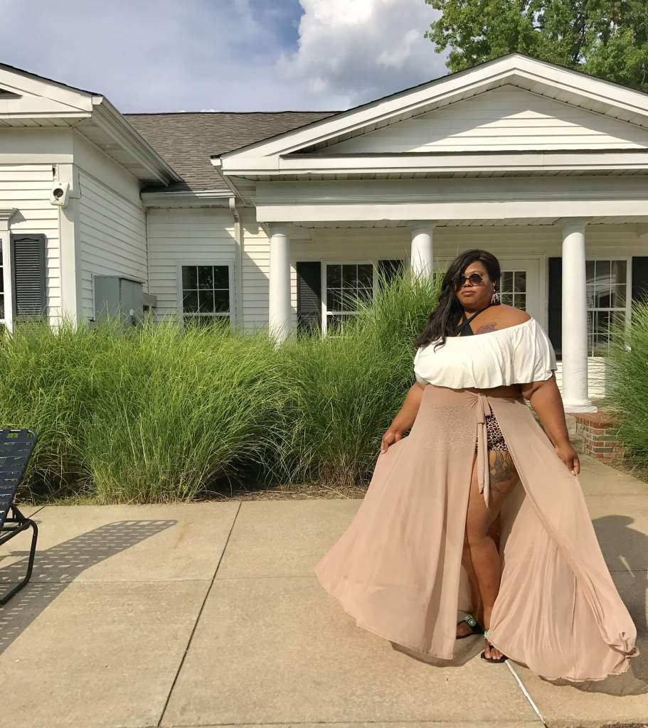 Plus size blogger- Finesse Curves