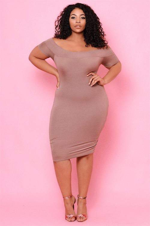 plus size midi dress, Mocha dress, plus size shopping, plus size Model, plus size clothing brand,Candice Kelly
