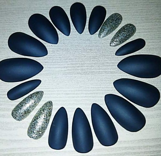 Press-On Stiletto Nails