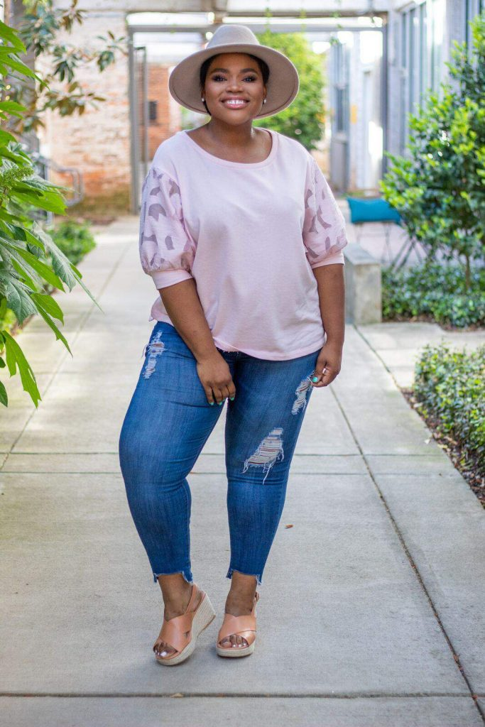 Today's Fashion Blogger Spotlight, Rhonda of Life by Rhonda! This Atlanta-based cutie shares her tips and tricks for amazing plus size style!
