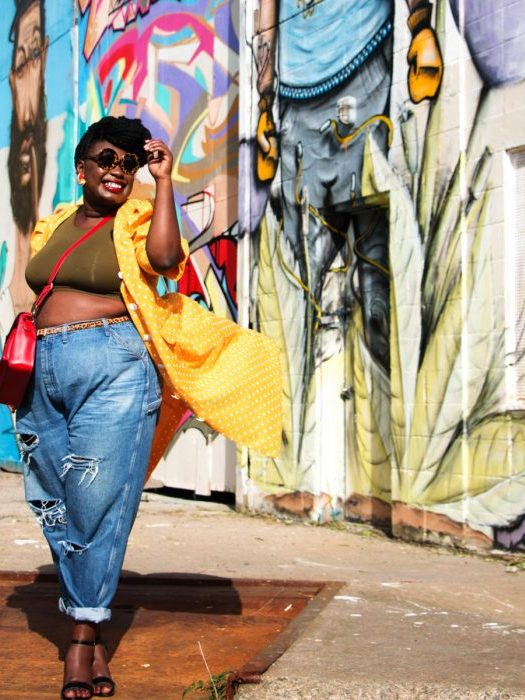 You Have To See These 10 Bloggers Rocking Crop Tops!