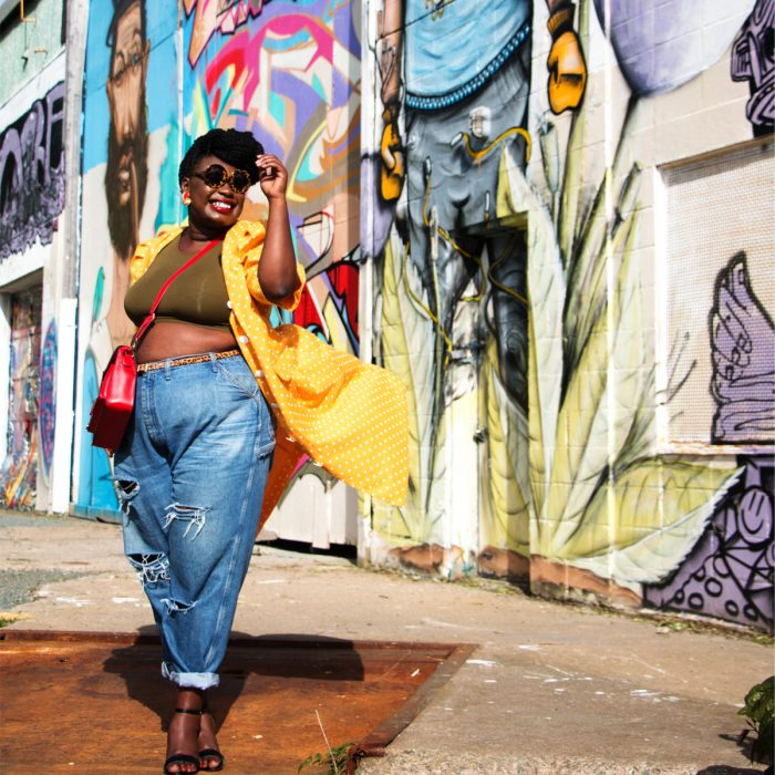 Crop tops are all the rage right now--yes, even for the plus size fashionistas! Check out these 10 bloggers rocking crop tops that we're loving.