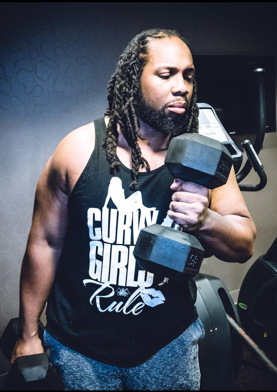 Kavah lifting weights