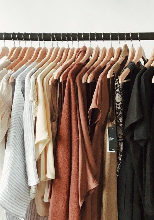 4 Steps To Cleaning Up Your Wardrobe This Spring