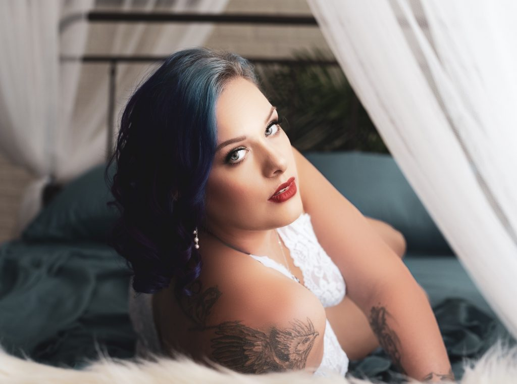 The Gift of Boudoir Photography for the Holidays
