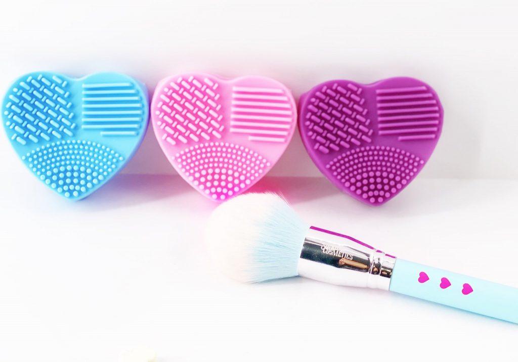 Heart Makeup Brush Cleaner