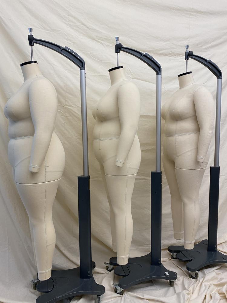 Pari Passu Plus Size Mannequin forms