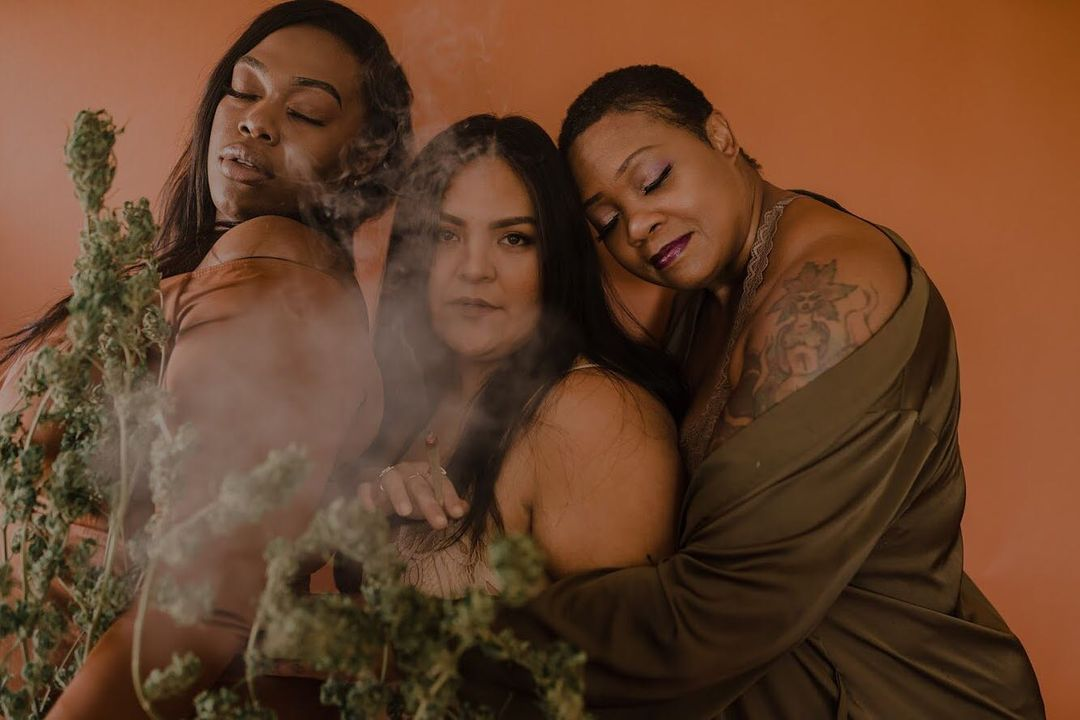 The Holiday CBD Gift Guide for The One Who Needs to Chill  Photo By @olivejmedia, cofounder of #CurvyCannabis. Models: @honestlyrealhonest, @natashabahe, and @luckypistil