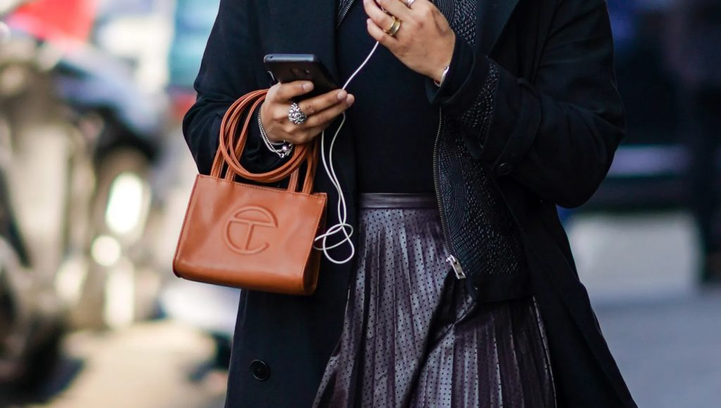 black handbag designers