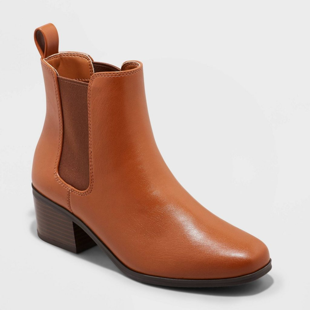 red chelsea boot