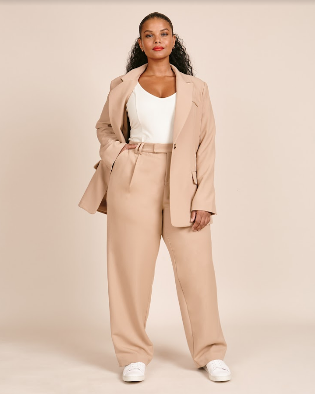 Right in time for fall, 11 Honoré and Nordstrom team up to deliver a collaboration for those plus size people looking for luxe plus size fashion options!
