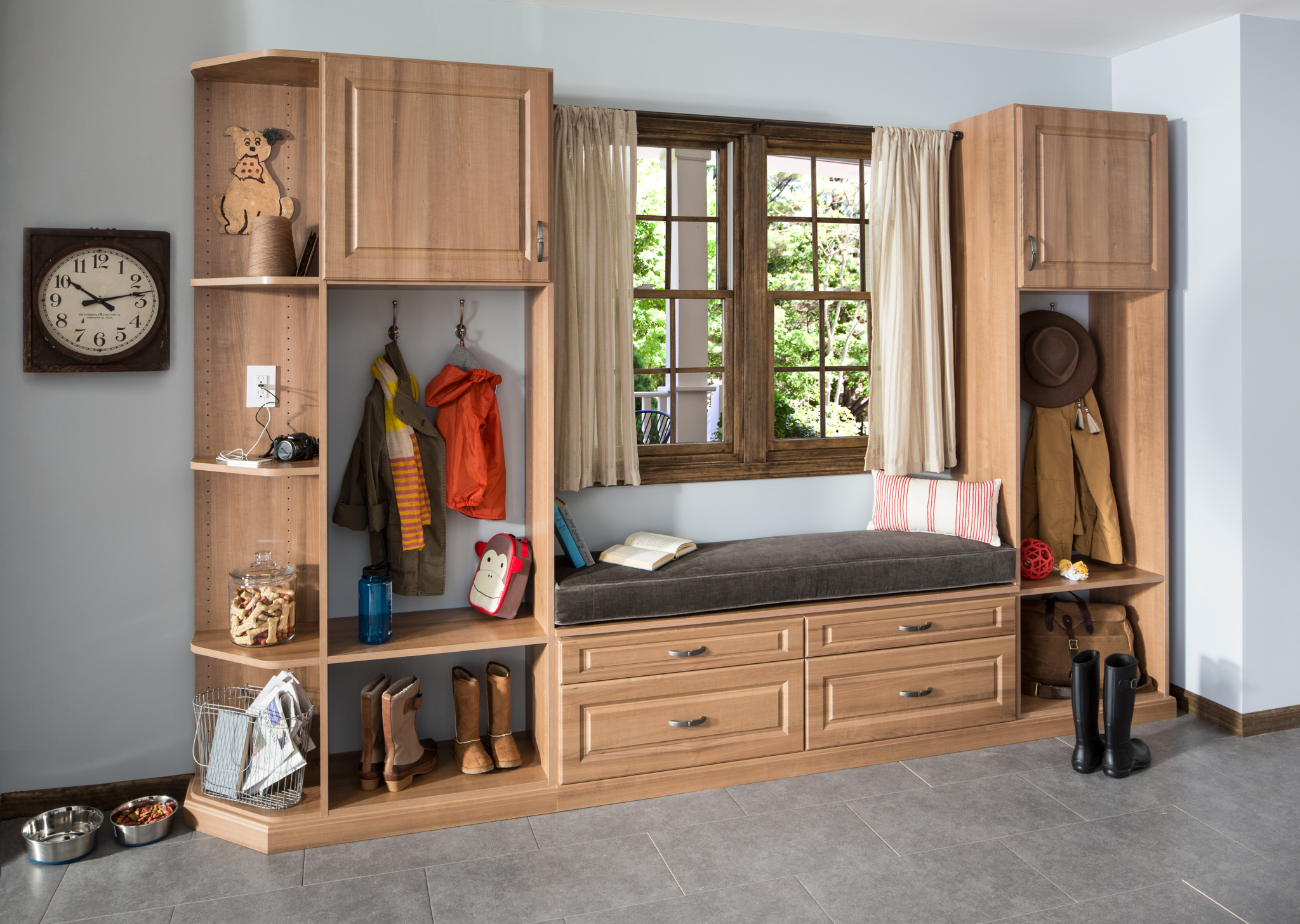 Foyer Closet Jobs : Smart storage strategies for building your new home