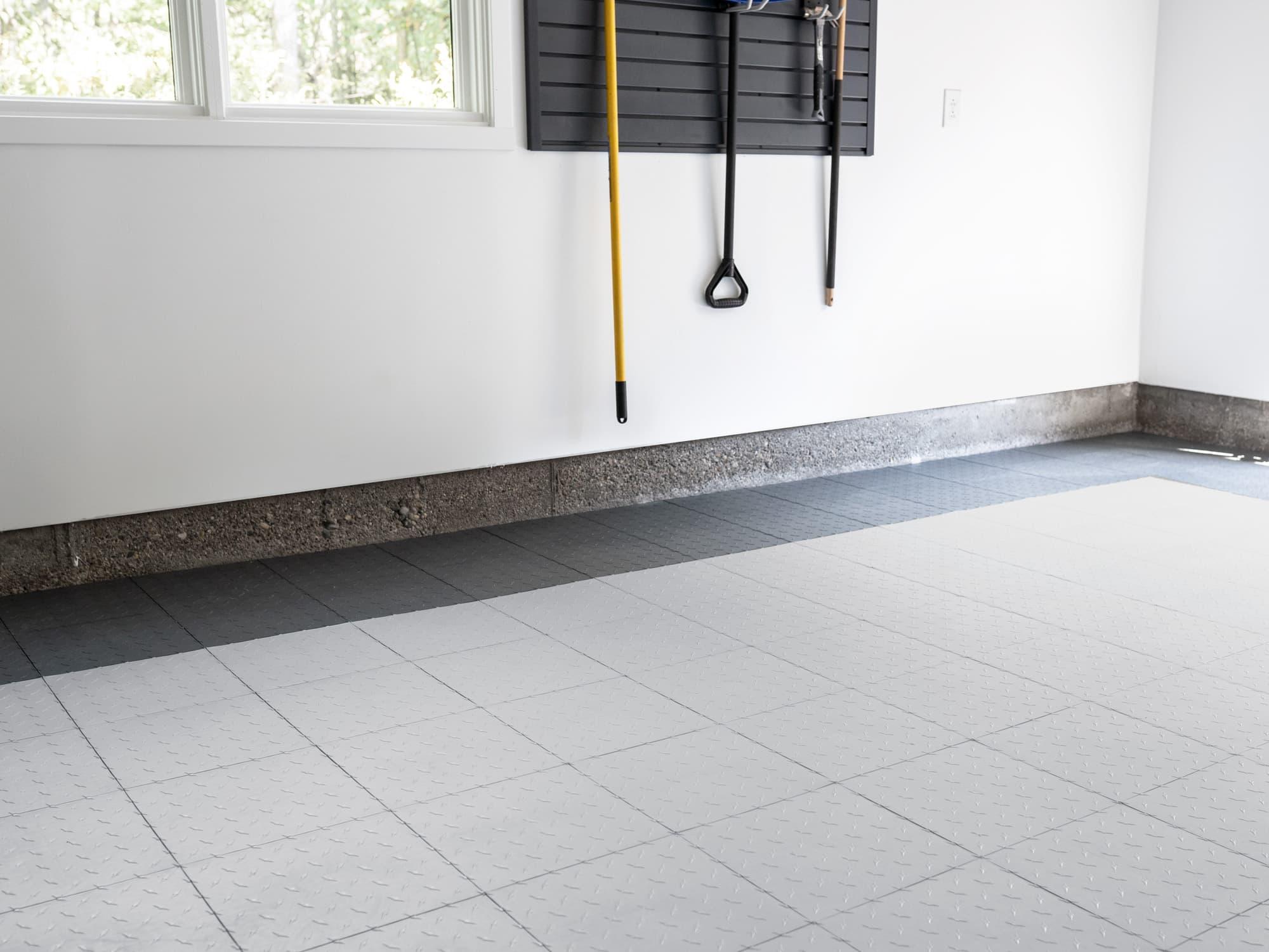 EasyGarge Flooring - Pearl Silver