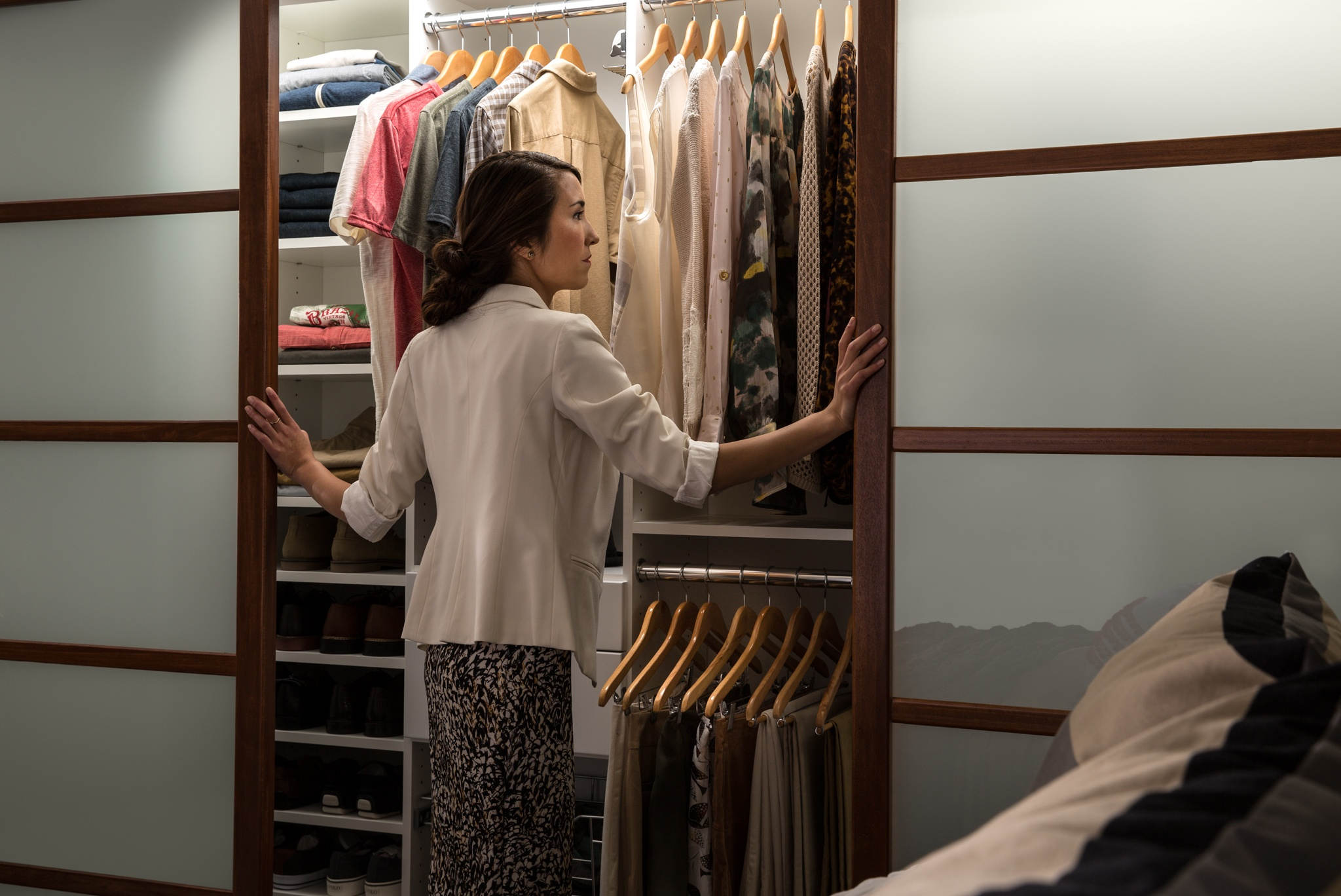 EasyClosets Helps Professionals: