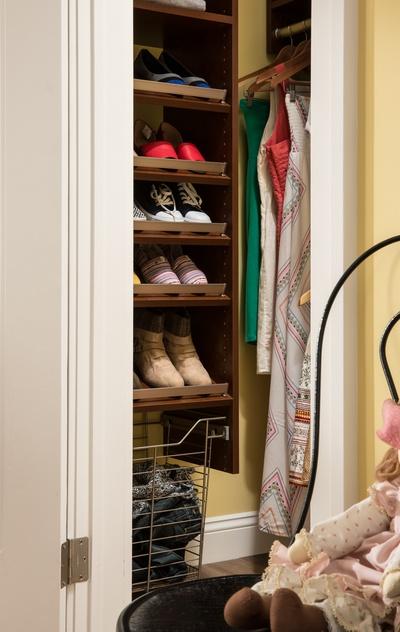Teen's Walk-In Closet