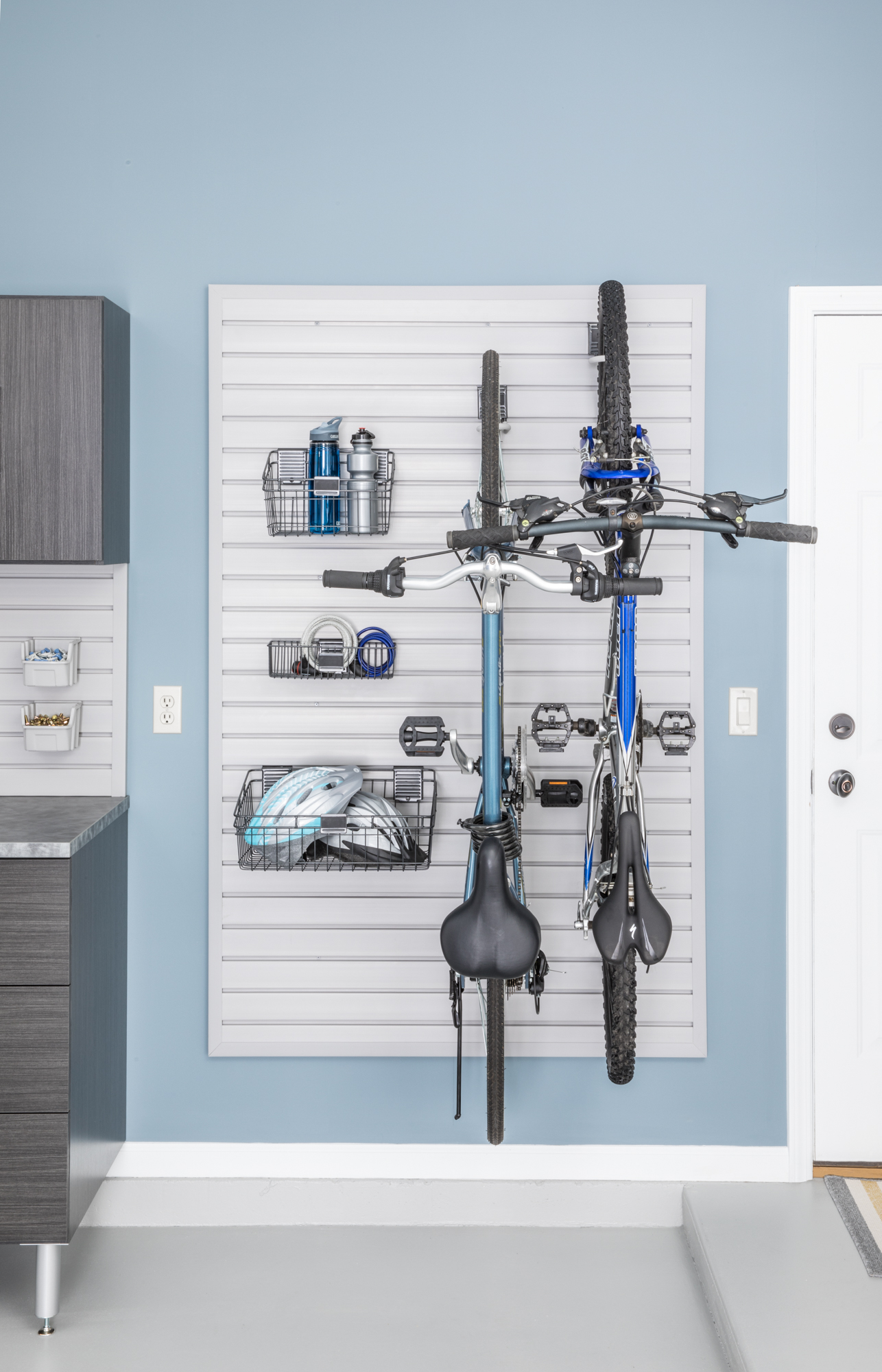 Essential Elements of an Organized Garage