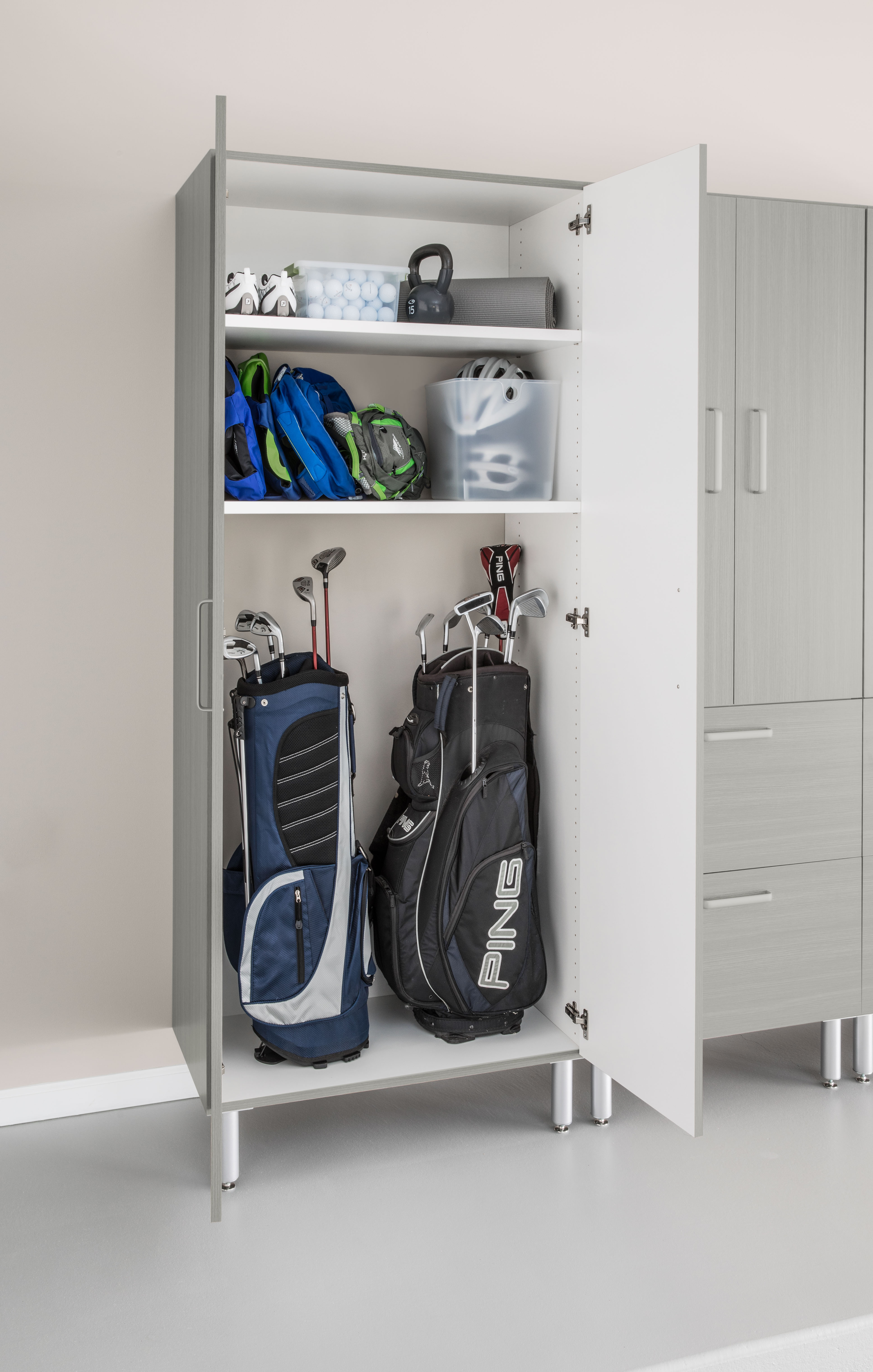 Cleaning and Organizing Your Garage for Spring