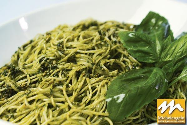 Linguini with Fresh Pesto
