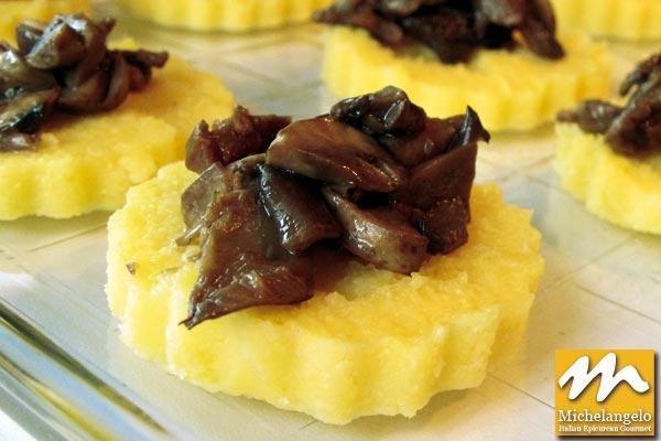 Polenta Crostini with Mushrooms