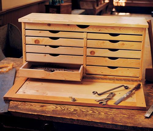 Popular Woodworking pro Jim Stack fashioned this toolbox for his own personal use so you know it's a good design.
