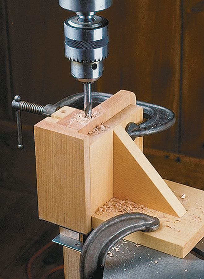 Dial in perfect-fitting box joints on your table saw or router table. This jig's micro-adjustment system and locking feature make it easy.