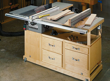 Compact Table Saw Station