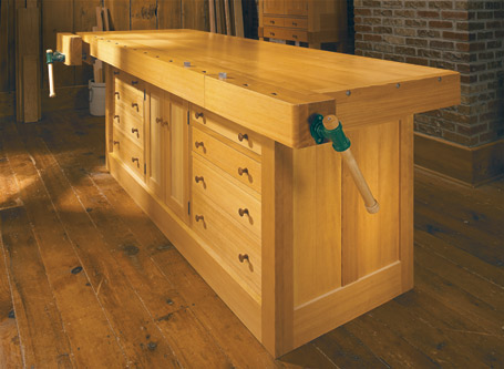 Cabinet-Base Workbench