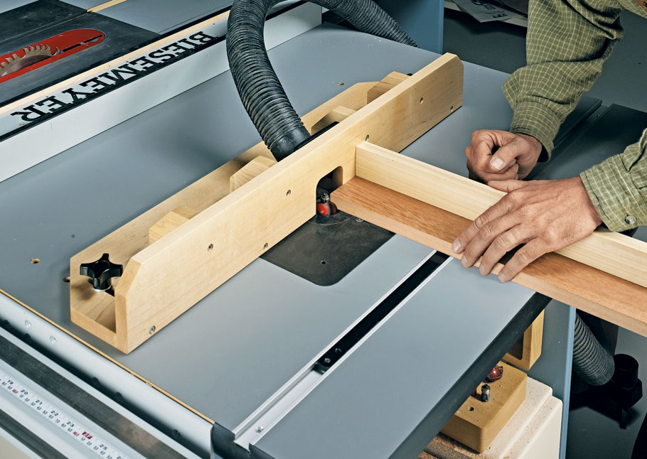 Take a contractor's saw, a router, a few sheets of MDF, and a handful of hardware and turn it into this super workcenter.