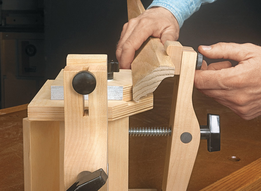 With this rugged miter vise, clamping perfect gap-free miters is a snap.