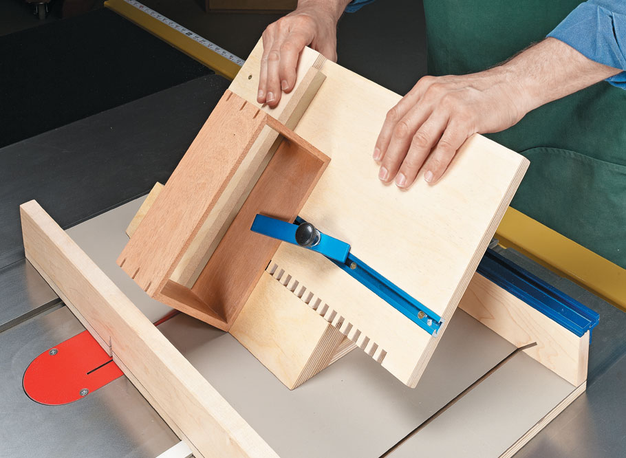 A basic sled and a few add-ons create a versatile jig for common box-making tasks.