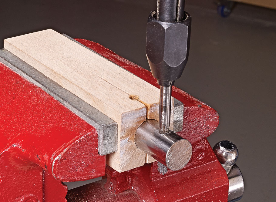 Fine-tuning the joinery on your projects is a cinch with this must-have, precision bench accessory.