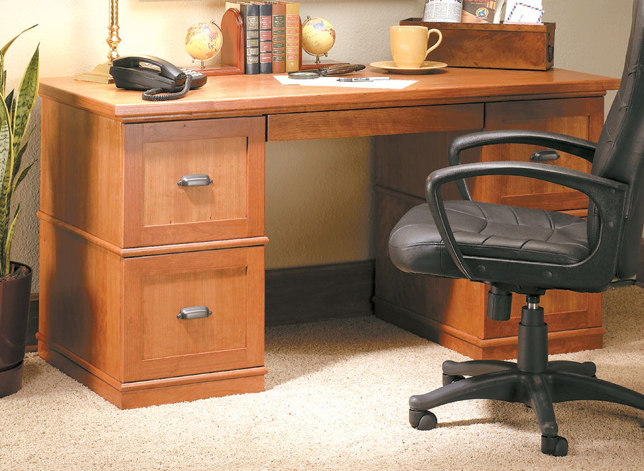 This home office solution is straightforward to build and can be adapted to meet your storage needs.