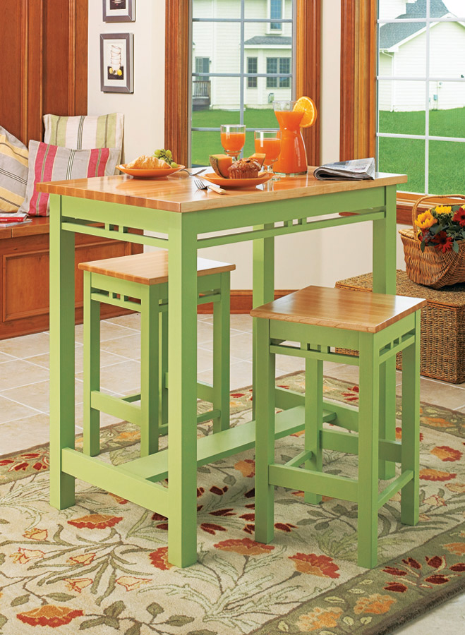 Whether you're reading the morning newspaper over breakfast or sharing a relaxing dinner, this kitchen set will fit right in.