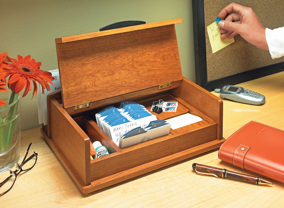 This desktop organizer is small in size but big in function. Its compact storage keeps your writing supplies in one convenient place.