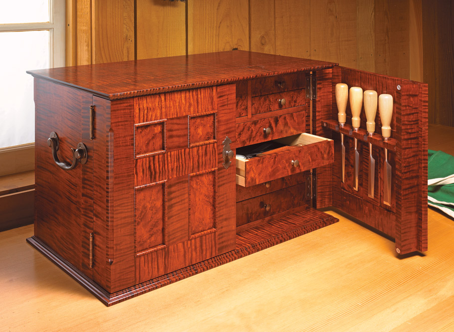 This beautiful, traditionally styled chest will make the perfect home for your most prized hand tools.