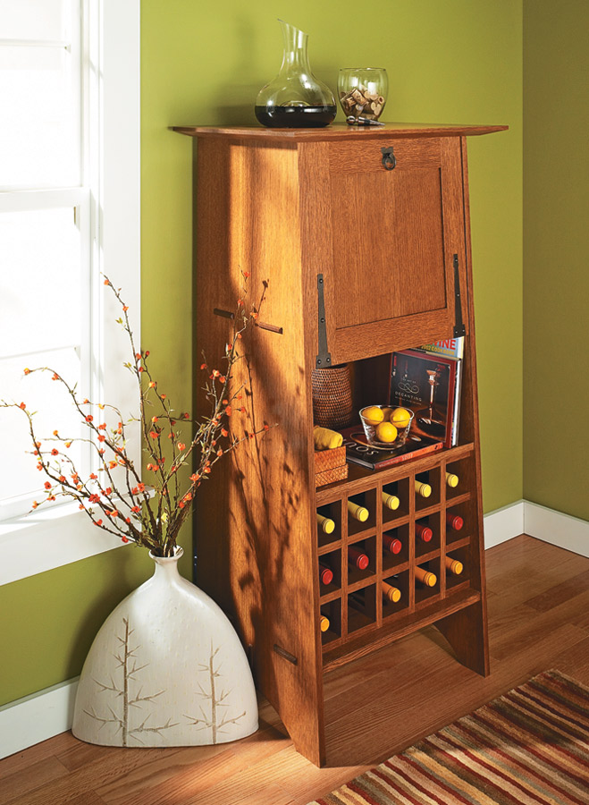 Host your friends in style with this elegant and functional wine server.